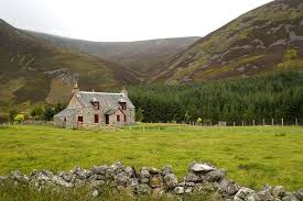 image of a highland cottage, Scotland