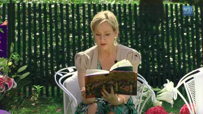 image of author JK Rowling reading at the Whitehouse